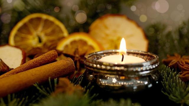 Eine schöne Adventszeit wünscht Ihnen die Eichen-Apotheke Großdubrau